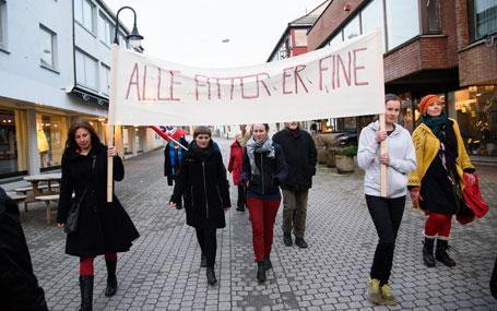 Malin Langøy Aarbø likar ikkje symbolbruken når fitte-ordet plutseleg blir tildelt ei heilt anna meining og viser til den omstridde parolen i 8.mars-toget på Stord i 2015. Foto: Henrik Mundal Andreassen