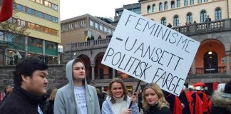 Leiar i Akershus KrFU, Julia Sandstø og partifellane Hedvig Halgunset, Kristian Sveistrup og Kim André Wiig deltok i fjor for fyrste gong i 8.mars-tog under parolen «Feminisme, uansett politisk farge».
