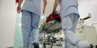 Tidsnaud fører til meir medisinering på sjukehusa. Foto: Colourbox