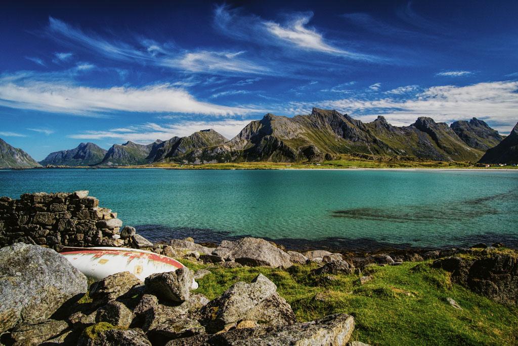 Lofoten er ein populær turistattraksjon, men slit med å handtere mengda. Turistskatt som skal hjelpe små kommuner med mykje turisme er ikkje aktuelt, seier næringsminister Monica Mæland (H). Foto: Flickr/CC-lisens/Soese