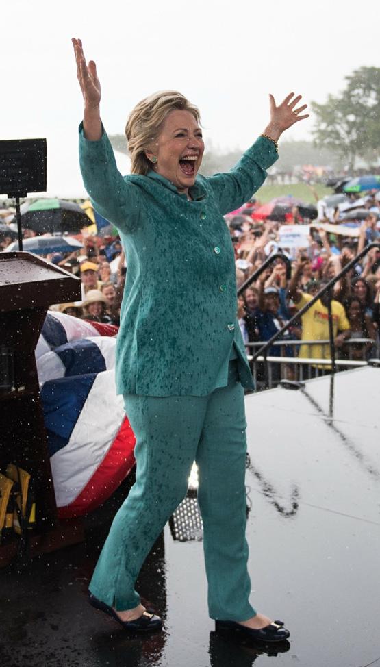 Hillary Clinton nådde aldri draumen om å bli den første kvinnelege presidenten i USA. I ei ny bok fortel ho om kva som skjedde.