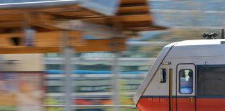 Skøyen togstasjon
