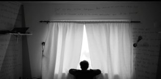 FNs menneskerettskomité rettar skarp kritikk mot Noreg for å behandla einslege asylbarn dårlegare enn andre barn. Illustrasjonsfoto: Filmweb