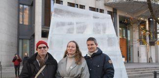 Natur og Ungdom-leiar Ingrid Skjoldvær ved Oslo Tingrett saman med Greenpeace-leiar Truls Gulowsen (til høgre) og Steinar Høiback i Besteforeldrenes klimaaksjon.