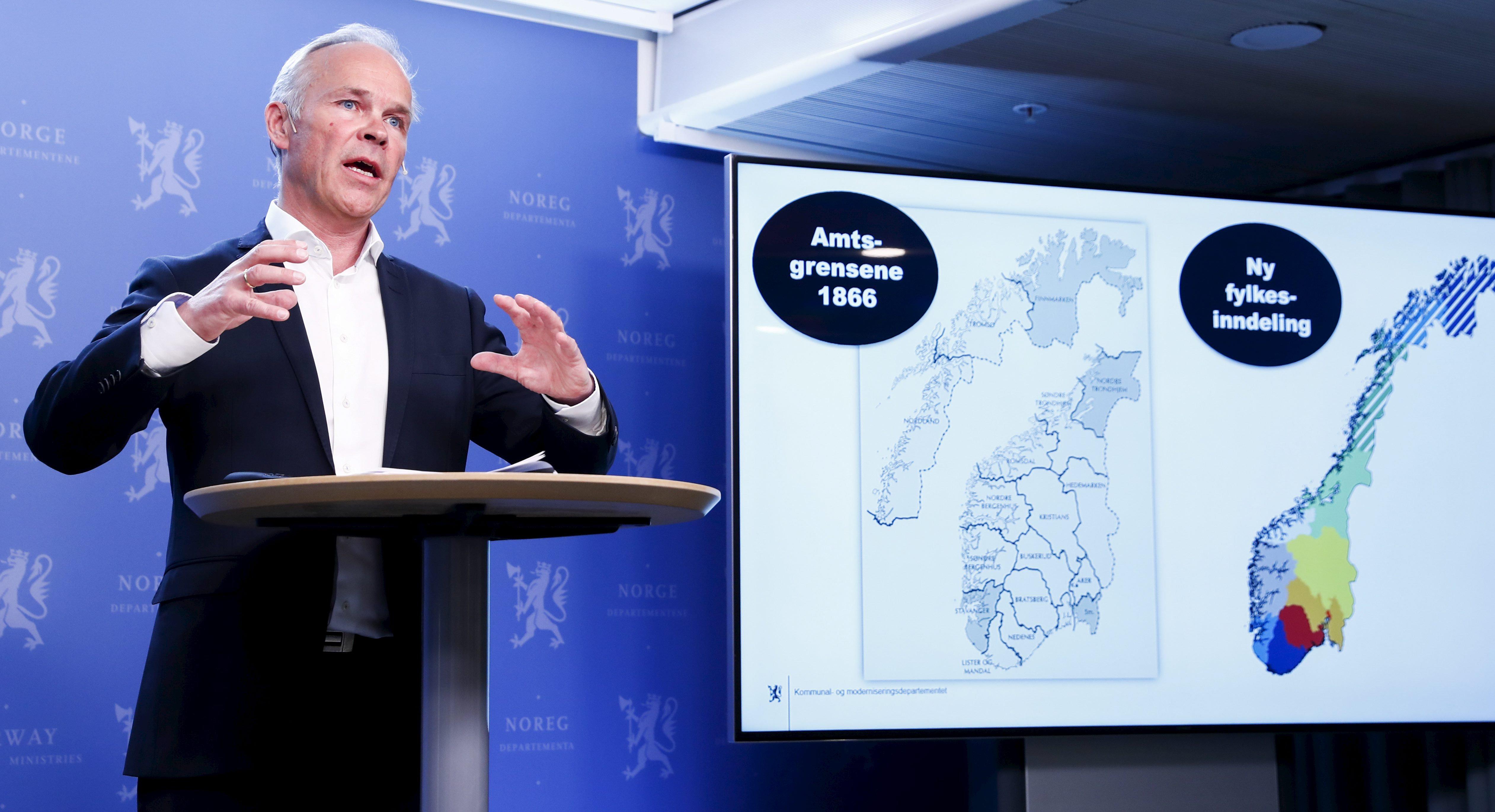 Statsråd Jan Tore Sanner la fram kommunereformen i vår. Foto: Terje Pedersen/NTB scanpix/NPK