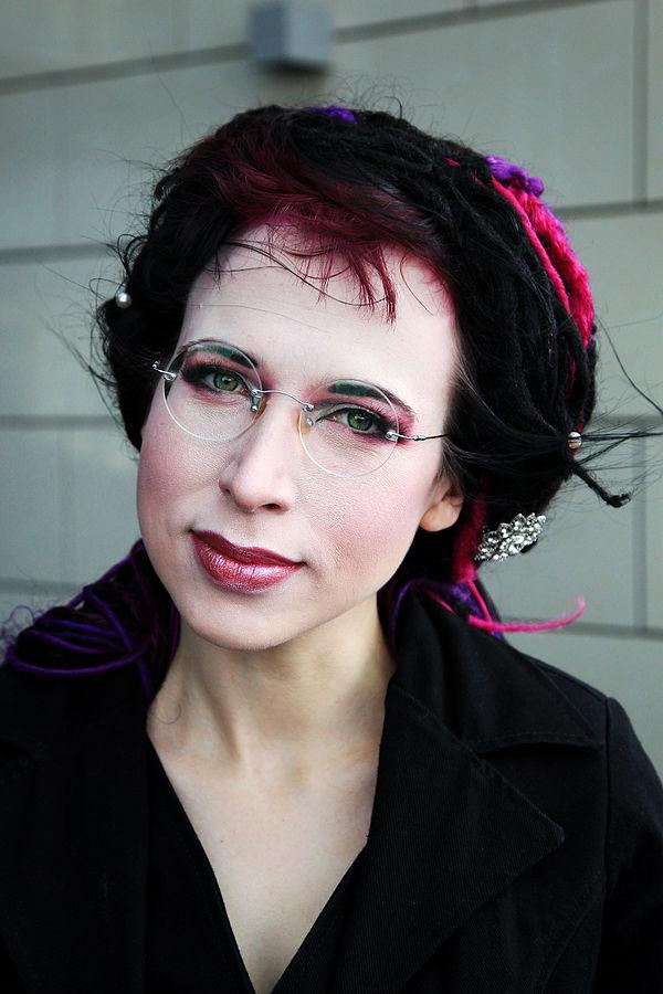 Forfattar Sofi Oksanen er finne. Ho vann Nordisk råds litteraturpris i 2010.