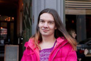 Dávvet Solbakk er leiar i den samiske ungdomsorganisasjonen Noereh. Foto: Beate Haugtrø