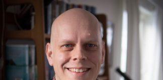 Øystein Vidnes vann Kritikerlagets pris for si omsetjing av boka Tre kvinner av Robert Musil. Foto: Privat