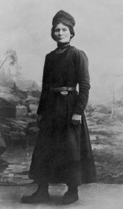 Sørsamen Elsa Laula Renberg var initiativtakeren til det første samiske landsmøtet i 1917. Foto: ukjent, Saemien Sijtes fotoarkiv, via Wikimedia Commons