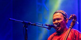 Gruppa Huun-Huur-Tu bruker også strupesong når dei syng. Musikken baserer seg på tradisjonelle tuvinske folkesongar. Foto: Mário Pires/Flickr/CC BY-NC-ND 2.0