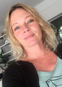 Siri Heitmann Müller er oppvaksen med film og byrja med casting fordi ho sjølv har skodespelarerfaring. Foto: Privat