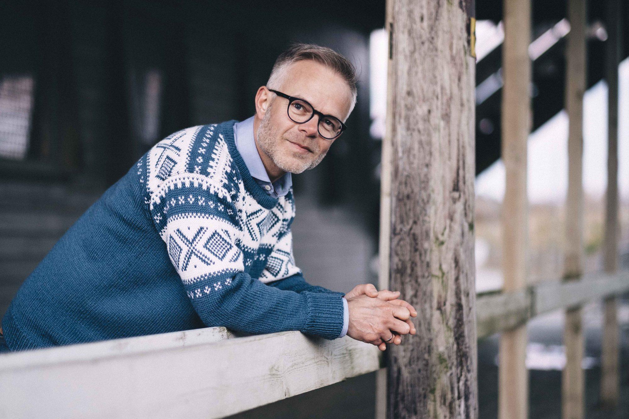 Forfattar Tore Renberg slo nyleg eit slag for nynorsken,. No går han inn i politikken for Arbeidarpartiet i Stavanger. Foto: Tommy Ellingsen/Forlaget Oktober