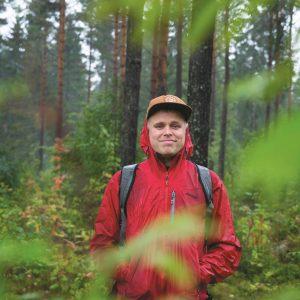Forfattar og fotograf Marius Nergård Pettersen har besøkt hemmelege hytter i heile landet. Resultatet er boka Hemmelige hytter. Foto: Bjørn Ivar Voll / NPK