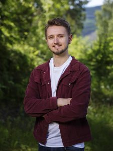 23 år gamle Freddy André Øvstegård er yngste kandidaten for Stortinget etter at han vart valgt inn for Østfold SV ved stortingsvalet i 2017. Foto: Jo Straube, SV