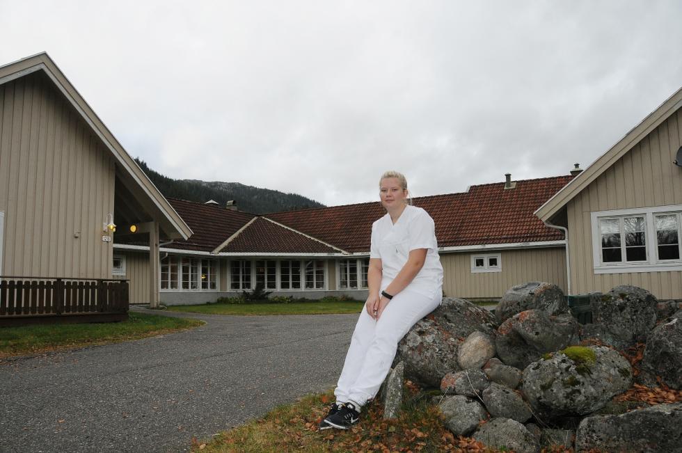 På tredje året driv ho friviljug arbeid på Steinmoen bu- og servicesenter. Omtanke for folk er drivkrafta hennar. Foto: Anne Sofie Tresland