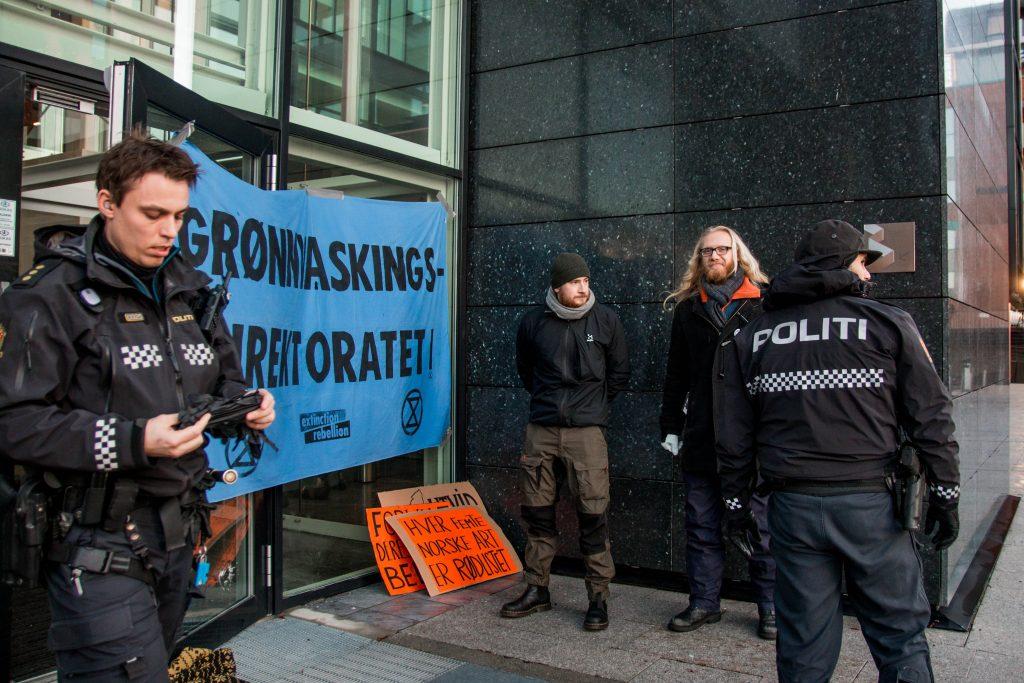 Aksjon av Extinction Rebellion i og utanfor Miljødirektoratet 11.12.19. Foto: Ingvild Eide Leirfall